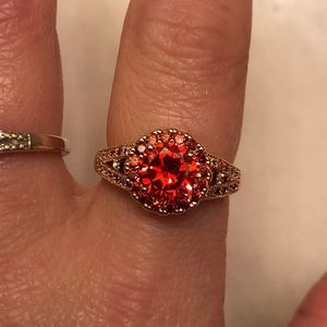 Jewelry - Beautiful vibrant red christmas ring